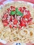 Super garlicky Chili Lemon Pasta - vegan & and the perfect quick summer dinner