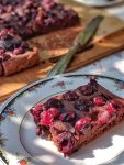 Fudgy cherry chocolate cake - vegan & naturally sweetened