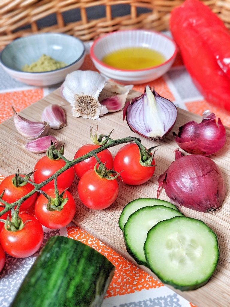 Easy & refreshing summer gazpacho - vegan & gluten-free
