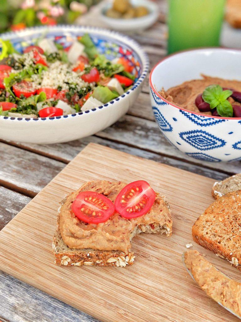 Garlicky Kidney Cinnamon Hummus - vegan, oil-free & gluten-free