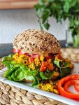 This vegan Scrambled Tofu Breakfast Sandwich is an easy & delicious breakfast or brunch idea. You could even have it for dinner. It's that good. And healthy, too. 💚| inlovewithbliss.com #vegan #breakfast #scramble #easy #healthy